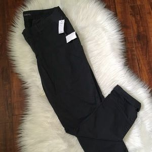 "NWT Gap Maternity ""Best Girlfriend fit"" pants"